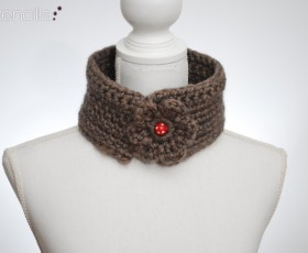 Original and cozy scarves and neckwarmers