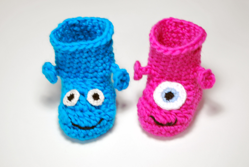 pink_blue_monter_boots_2082