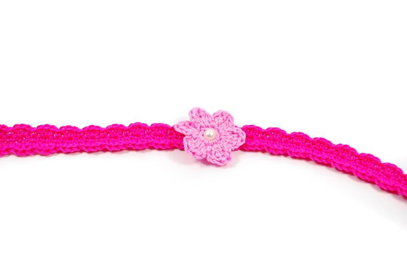 Patrón Cinta con Flor para Bebé disponible en Español |